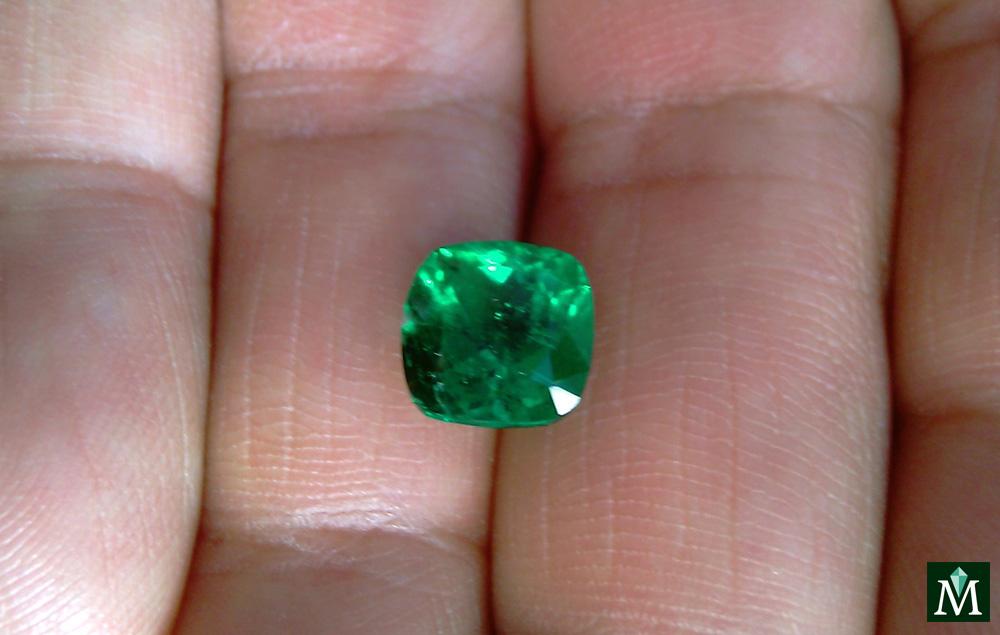 Cushion cut Emerald